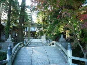 野馬追行列が出発する中村神社